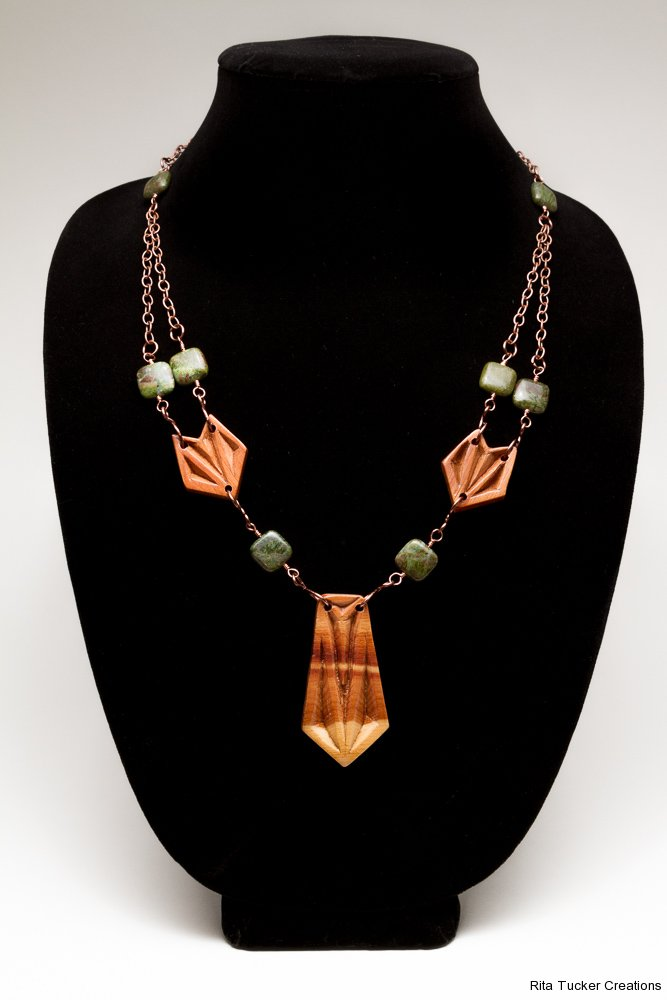 Necklace - copper chain, chip-carved juniper, green stones